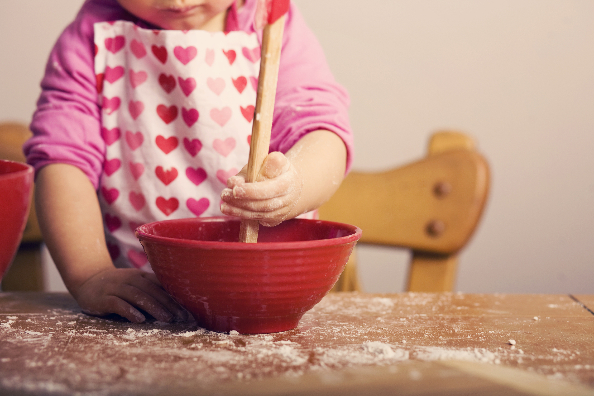 10 Tips to Teach Your Kids About Cooking